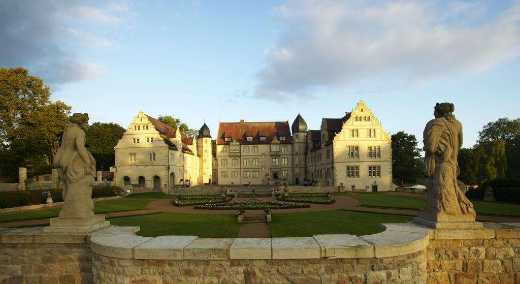 Лучшая гостиница замок в Германии - Schlosshotel Münchhausen