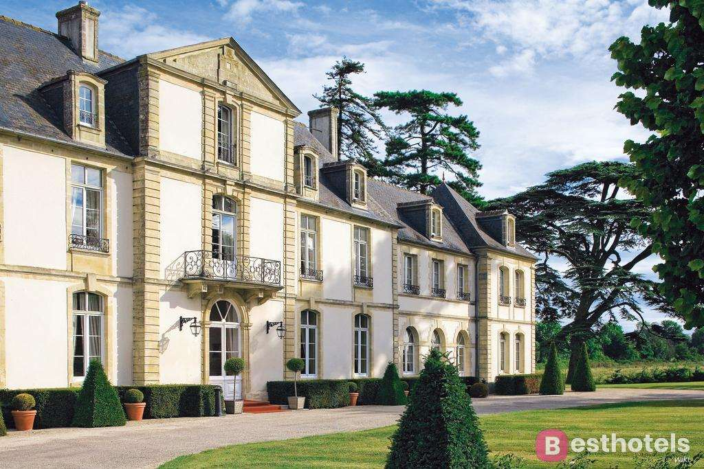 Chateau De Sully - одно из лучших мест во Франции