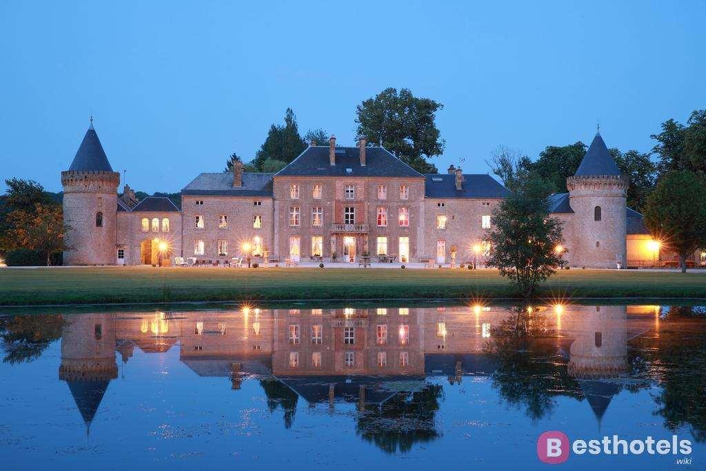 Domaine Château du Faucon - один из роскошных дворцов гостиниц во Франции
