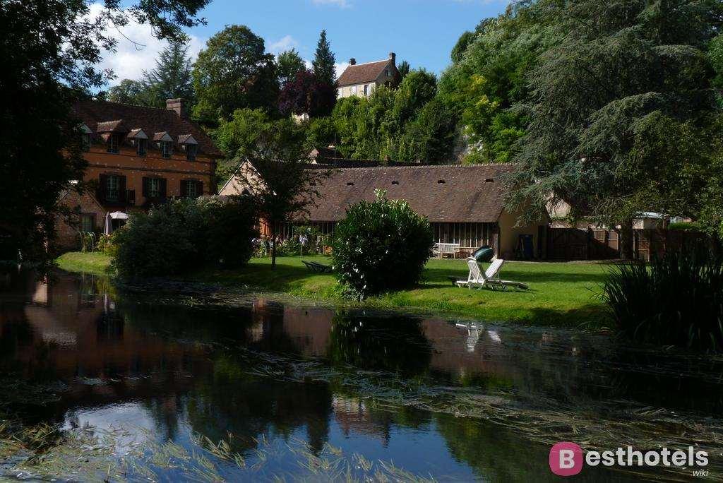 Гостиница дворец во Франции - Domaine de Villeray & Spa
