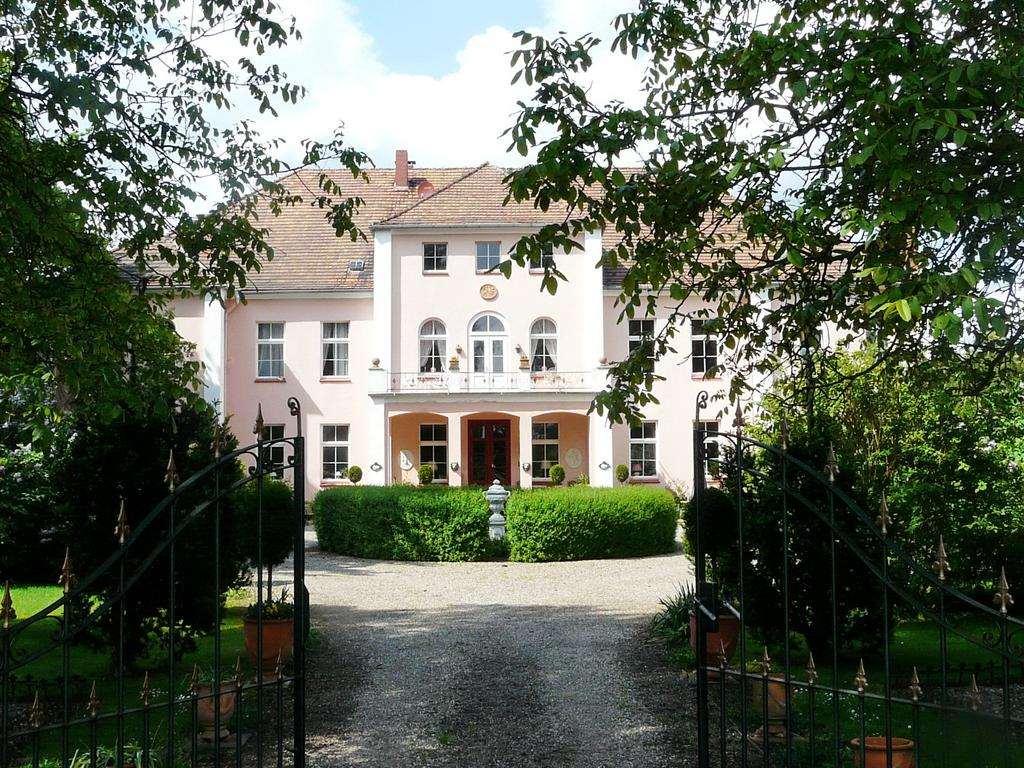 Отель дворец в Германии - Schloss Frauenmark