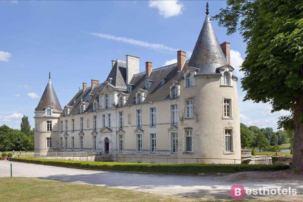Гостиница замок во Франции -  Château Golf & Spa d'Augerville