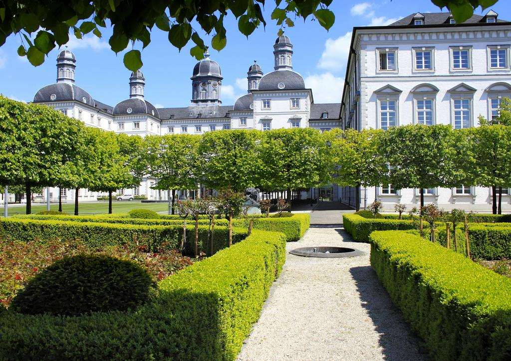 Лучшая гостиница дворец в Германии - Schloss Bensberg