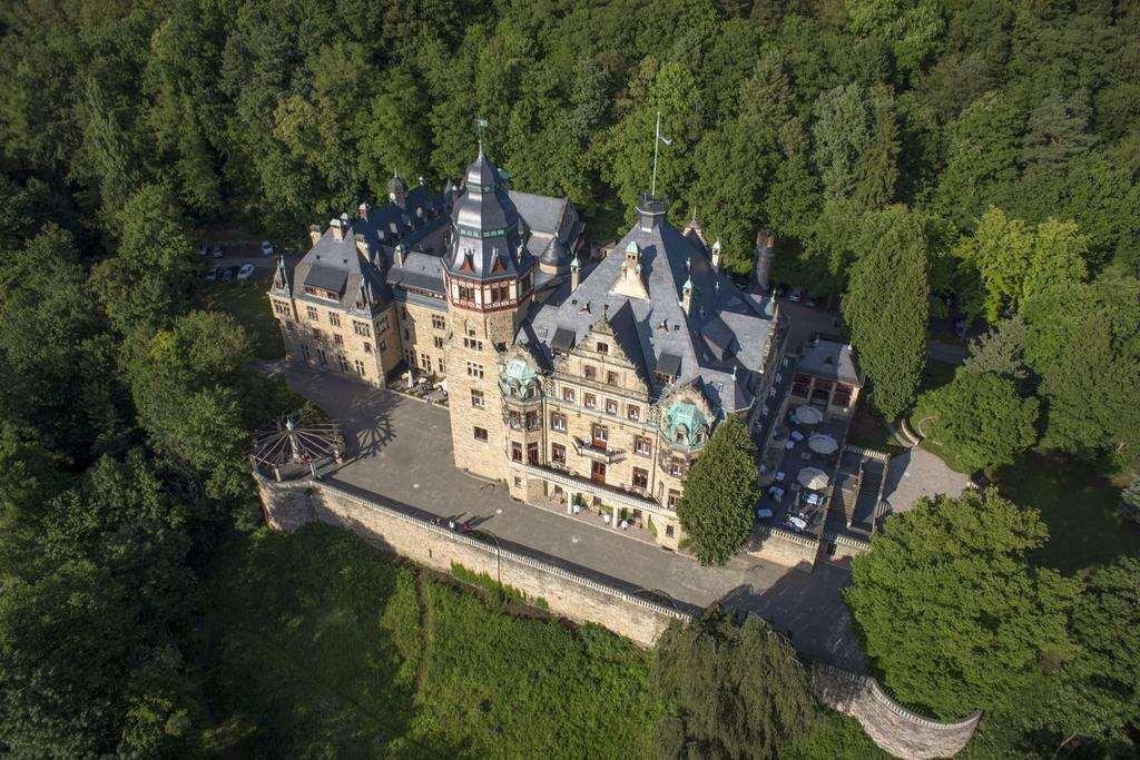 Роскошный отель замок в Германии - Schloss Hotel Wolfsbrunnen