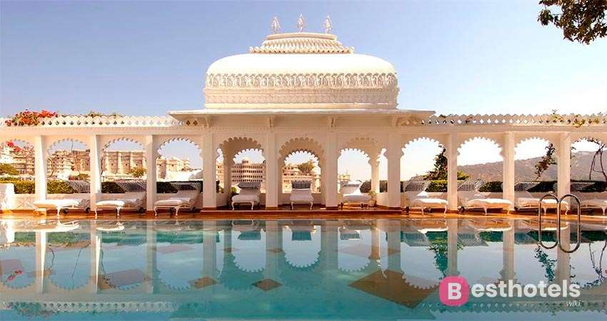 Luxurious Places in the World - Taj Lake Palace