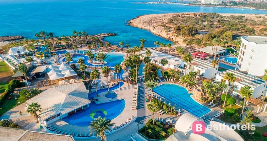 Adams Beach - отели для отдыха семьей на Кипре