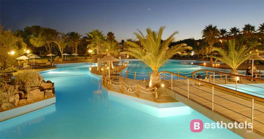 The best places for families with children in Crete - Aquila Rithymna Beach