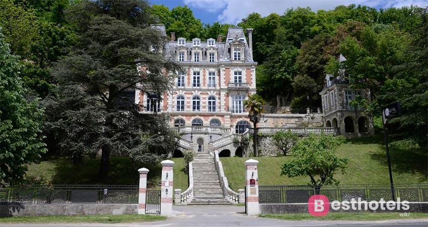 гостиничный комплекс во дворце во Франции - Art Hôtel