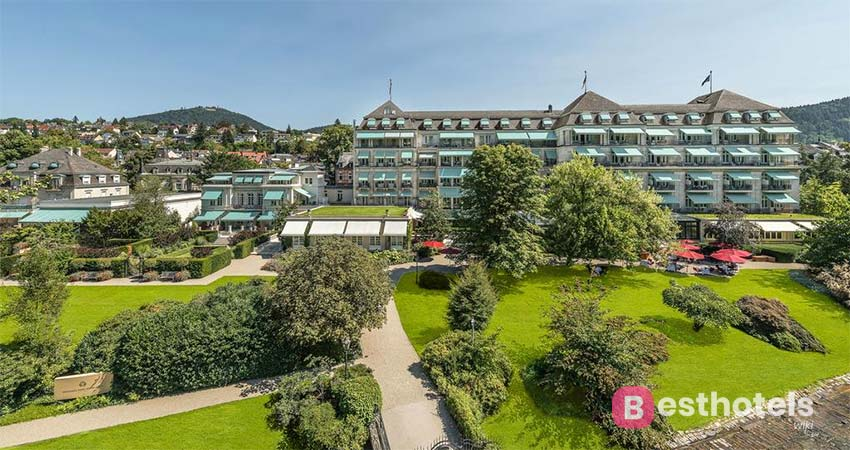 Ideal holiday destination in Baden-Baden with thermal pool - Brenners Park