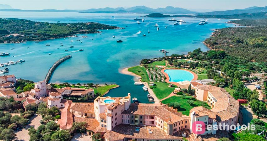 hotel complex Cala di Volpe - on the first line of the sea in Sardinia