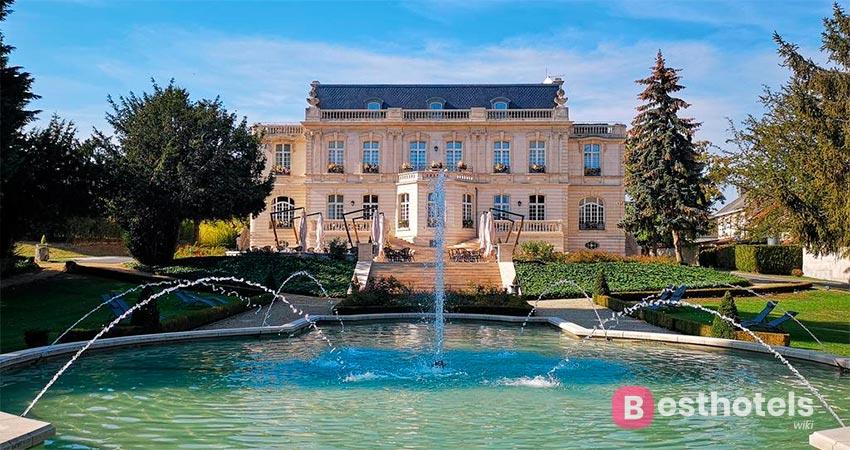 гостиничный комплекс во дворце во Франции - De Rilly