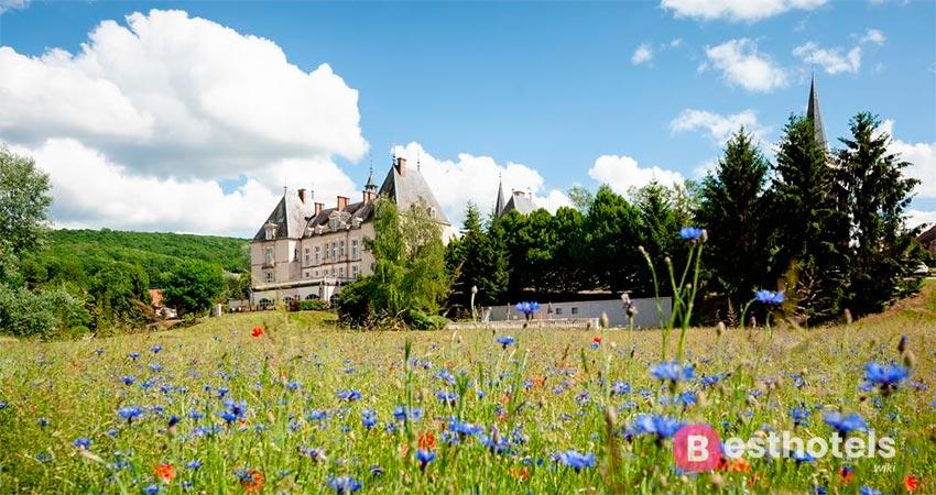 Элегантный замок отель во Франции - Sainte-Sabine