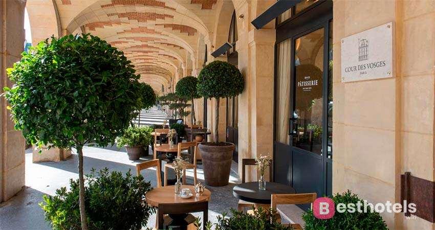 Лучшие места в Париже - Cour des Vosges