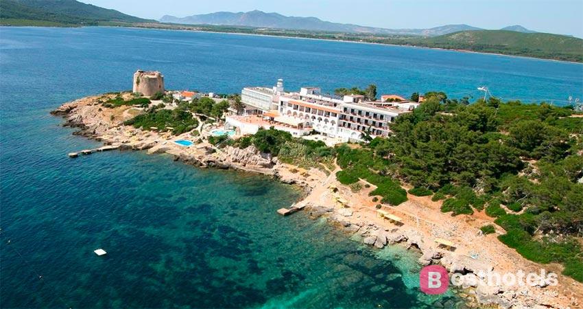 hotel complex with private beach in Sardinia - El Faro