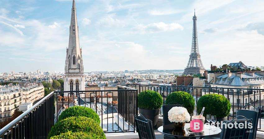 Four Seasons - George V - one of the finest hotels in Paris