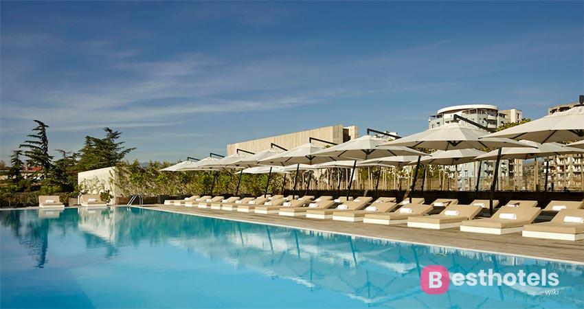 прекрасный курортный комплекс в Тбилиси - Holiday Inn
