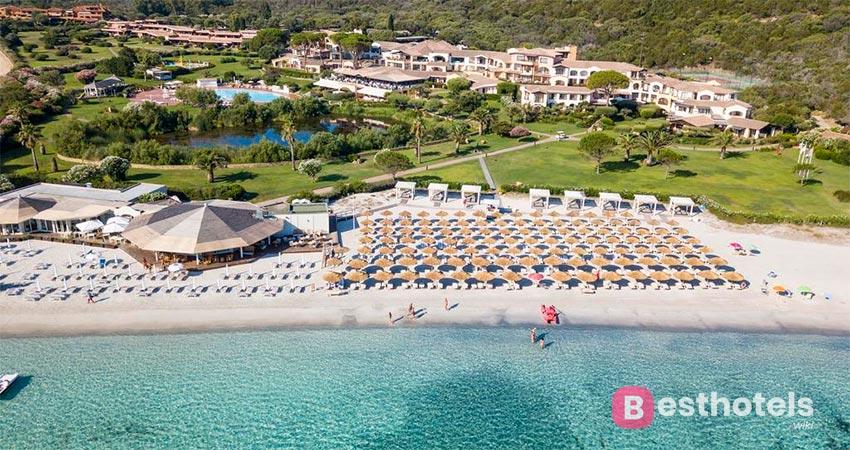 Abi D'Oru resort with private beach in Sardinia