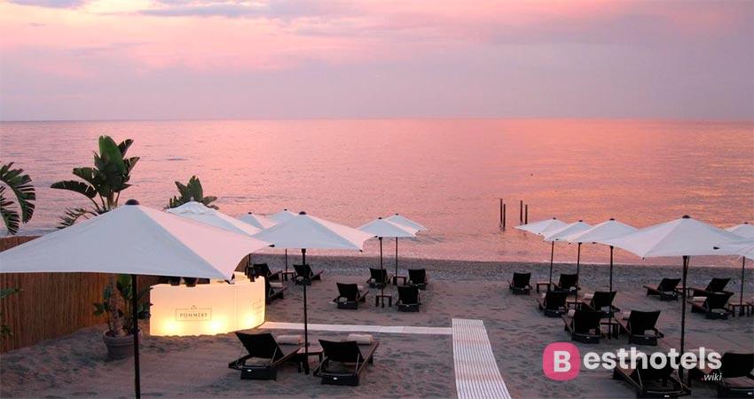 показательный отель Сицилии со своим пляжем - Karapena