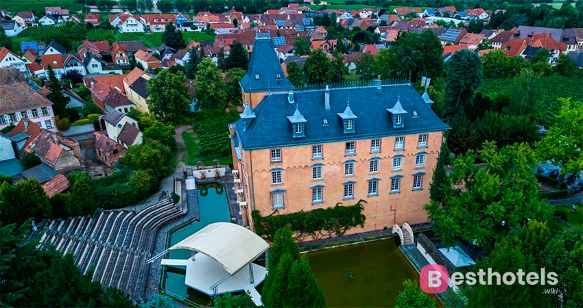 hotel complex in an authentic castle in Germany - Schloss Edesheim