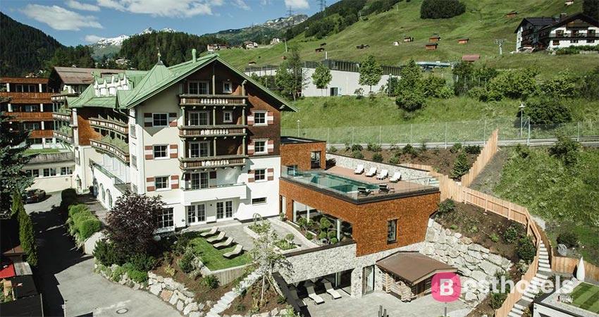 luxury hotel complex in St. Anton - Schwarzer Adler