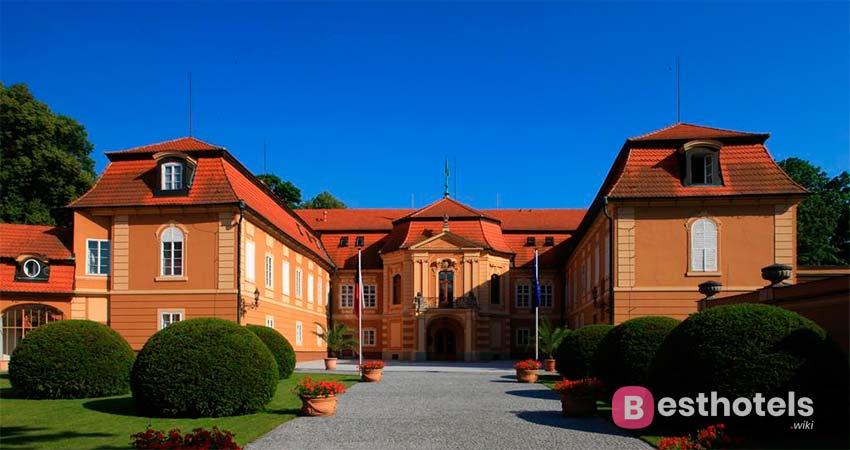 Замковые отели в Чехии - Štiřín