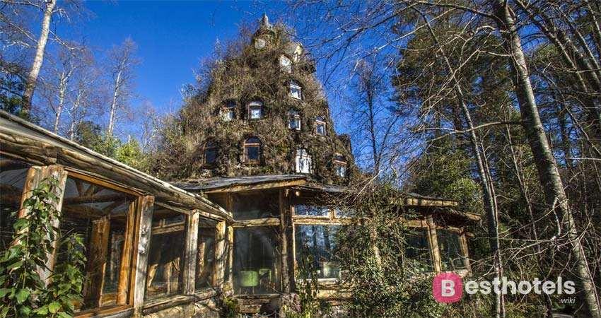 Quaint Hotel in Chile - Huilo Huilo Montaña Mágica Lodge