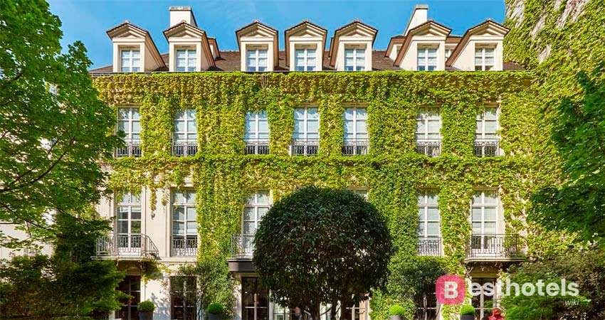 Le Pavillon de la Reine & Spa is one of the most luxurious hotels in Paris