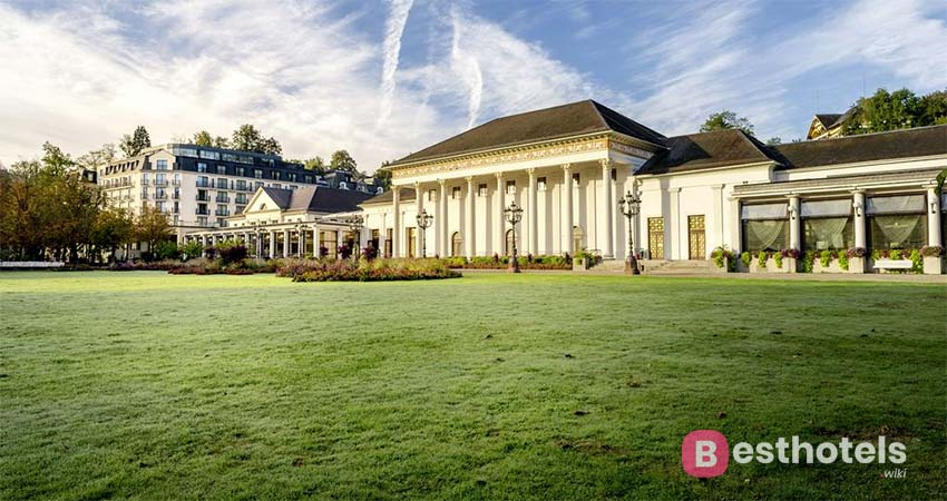 Wellness complex with thermal pool in Baden-Baden - Dorint Maison Messmer