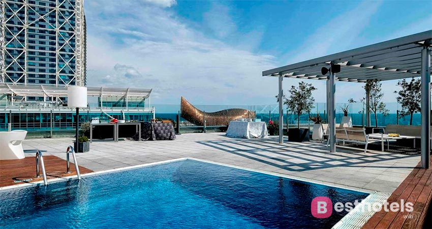 excellent hotel by the sea in Barcelona - Pullman Barcelona Skipper