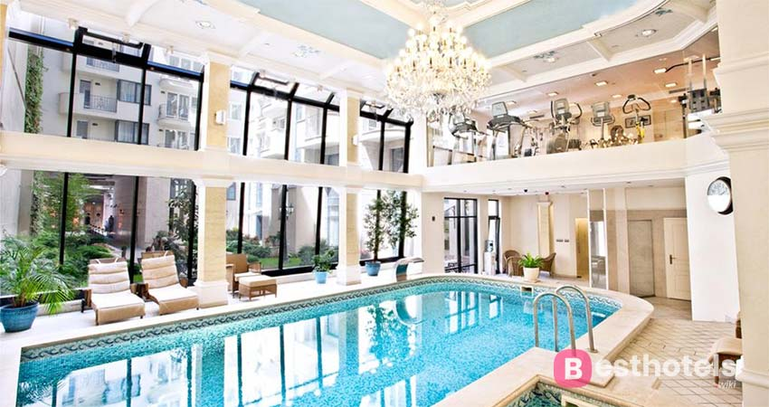 incomparable spa in Budapest - Queen's Court Hotel & Residence, with thermal springs