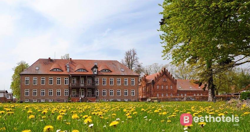 замковый отель в Германии - Ludorf