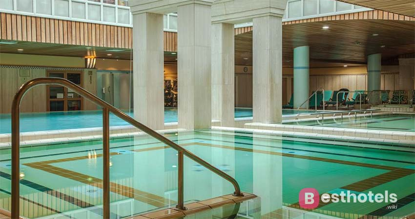 luxury hotel in Budapest - The Aquincum, with thermal springs