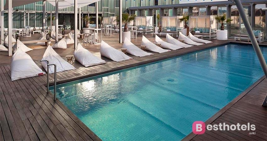 optimal hotel by the sea in Barcelona - The Level at Media Barcelona Sky