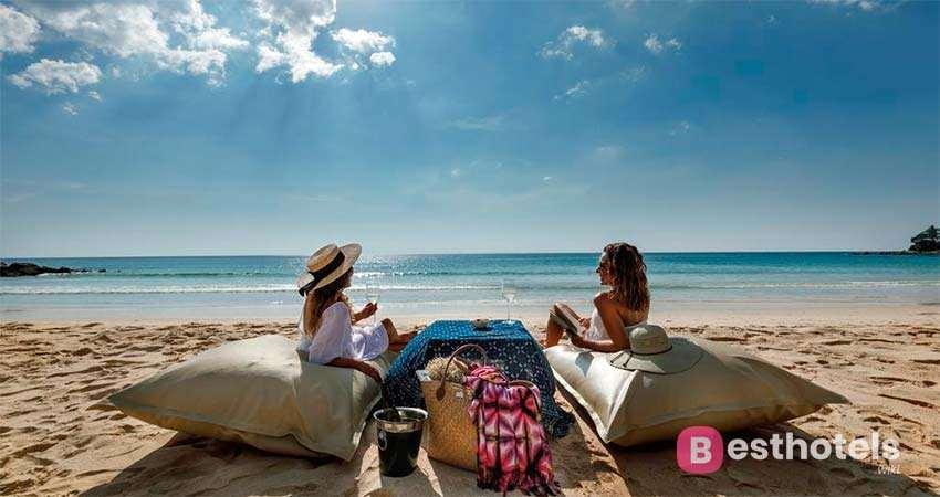 Гостиница The Surin Phuket на пляже Pansea