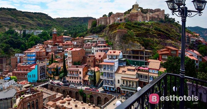 живописное место в Тбилиси - Tiflis Palace
