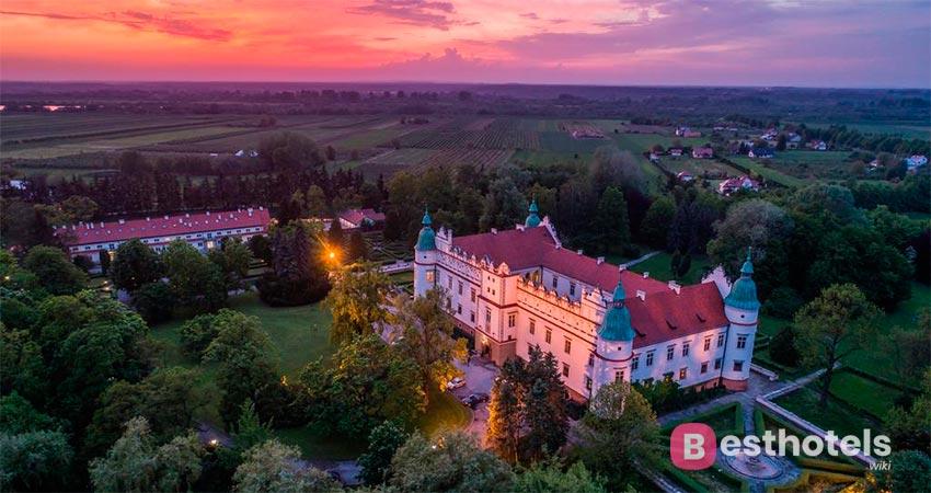 hotel manor in Baranowie Sandomierskim in Poland