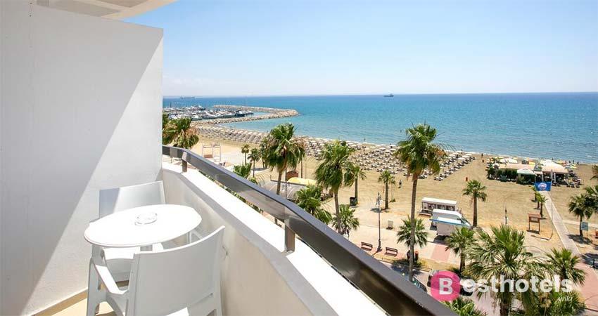 An amazing Larnaca holiday destination - Les Palmiers Beach